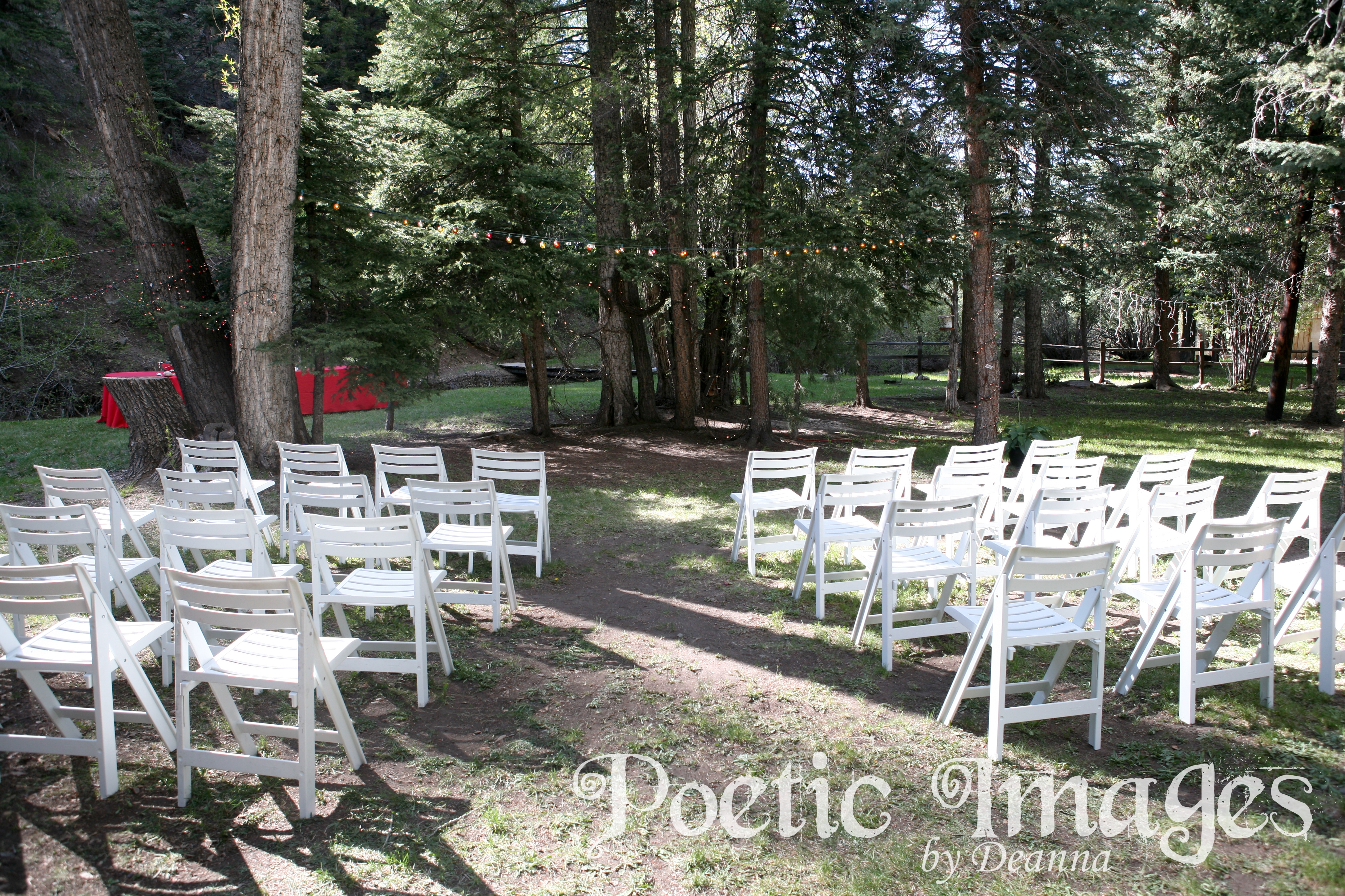 outdoor Red River wedding ceremony