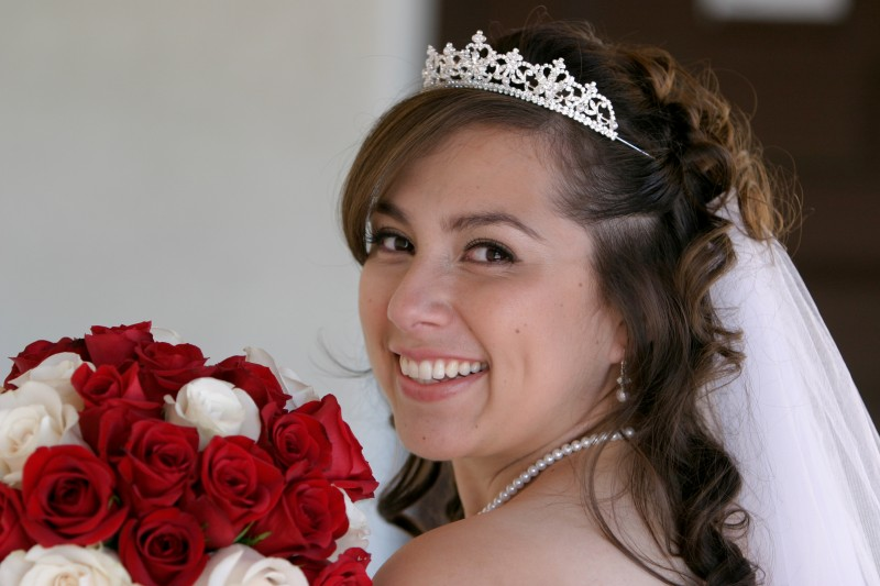 bridal bouquet and tiara