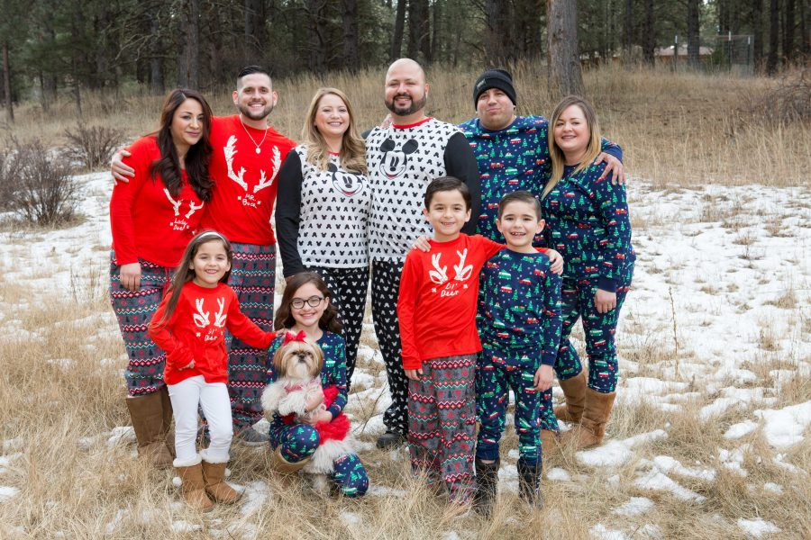 Extended Family Christmas Photos in Angel Fire, NM