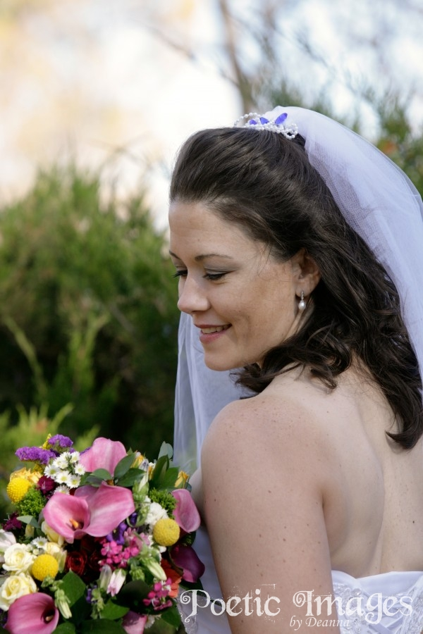 taos bride with bouquet