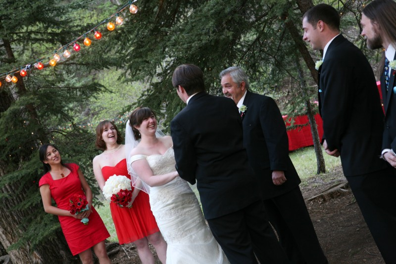 outdoor NM wedding with pine trees